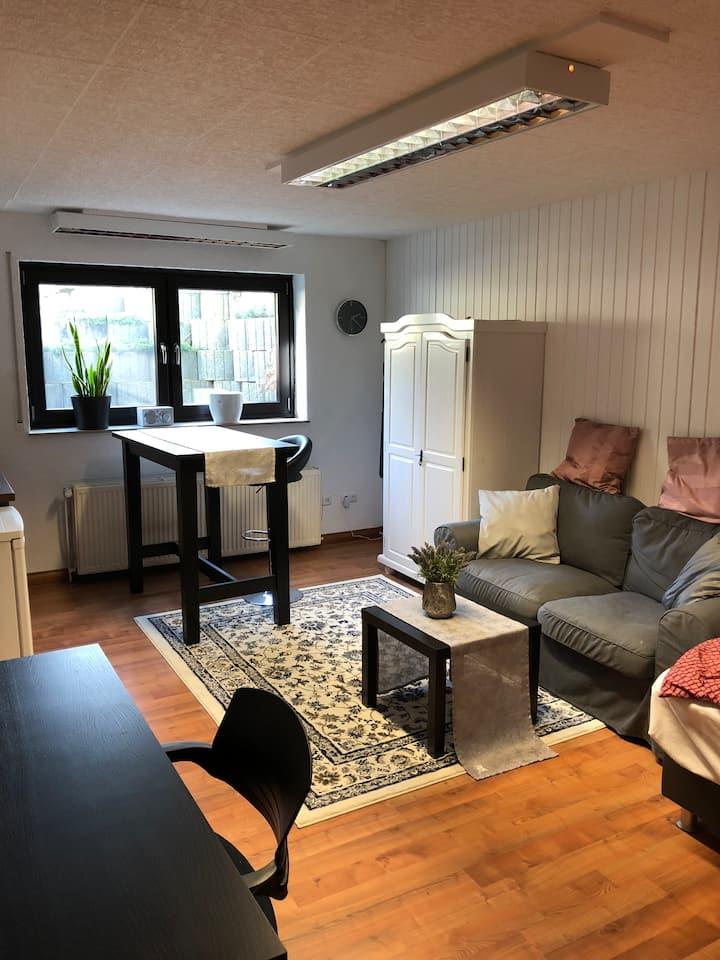Schönes privates Souterrain-Appartement