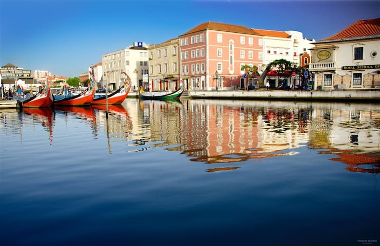 Aveiro Room By Ria View(Centro historico) - Aveiro - Bed & Breakfast