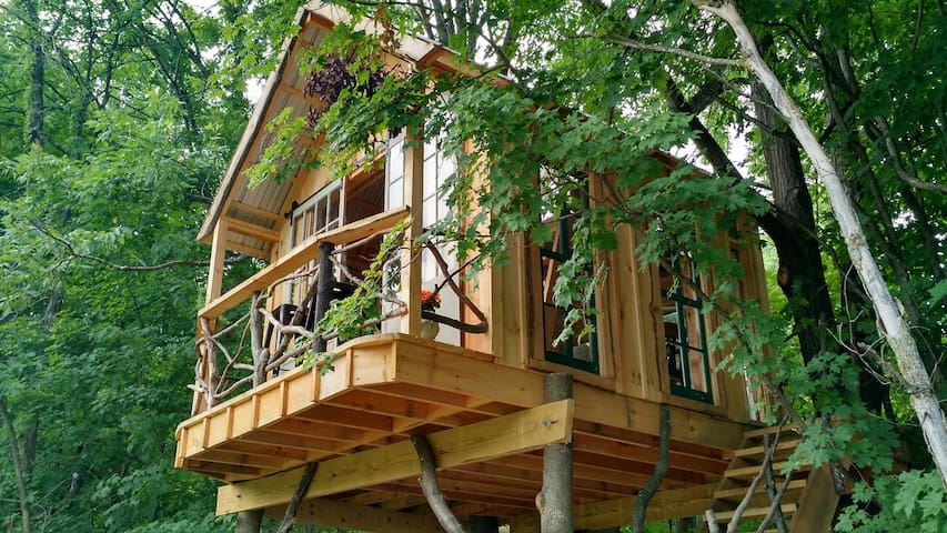 Whispering Wind Treehouse - Argyle - Puumaja