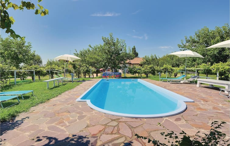 Holiday cottage with 8 bedrooms on 335m² in Silea (TV)