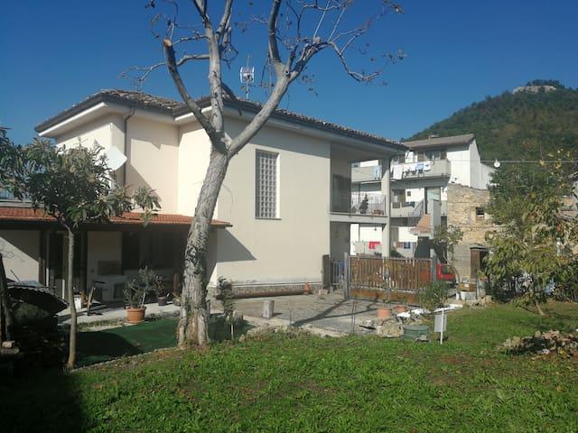 Detached villa overlooking Mount Gemelli