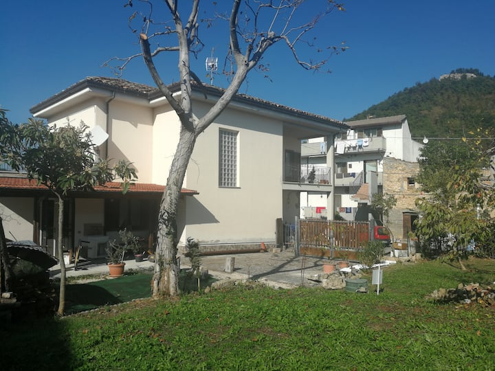 Detached villa overlooking Mount Gemelli