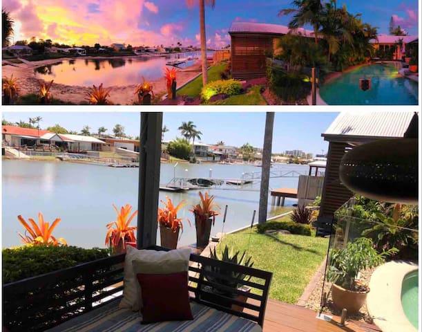 XMAS Mooloolaba Waterfront Home awaits..Sleeps 2-8