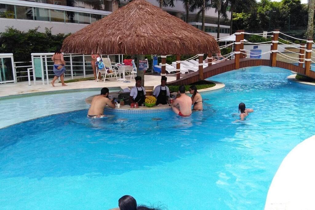 Bar da piscina.