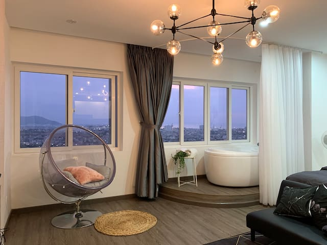 Romantic @ Relaxed With 55m2 Sea View Bathtub Apt