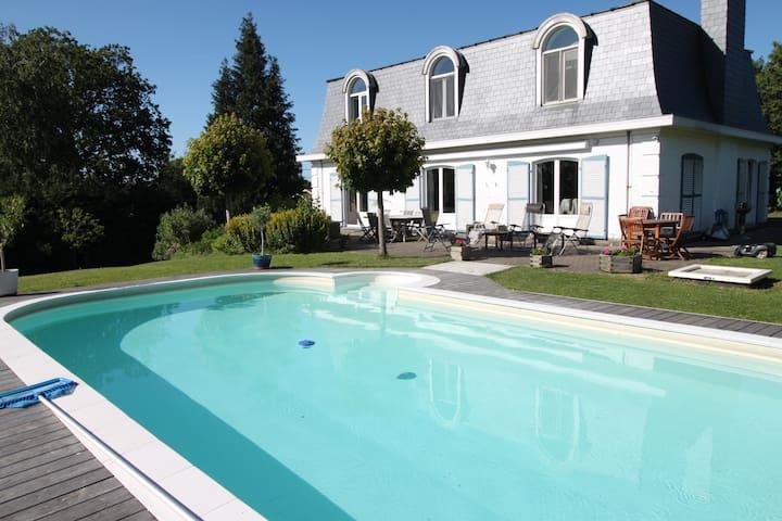 Jolie villa avec piscine 3 km de Spa-Francorchamps