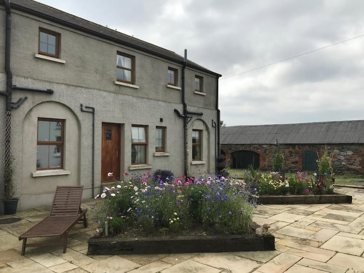 Charming 3-Bed Cottage Moira - Hillsborough
