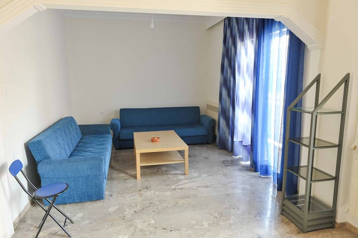 2nd floor apartment near city center - Chalkida - Apartamento