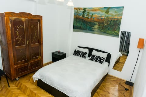 PRIVATE ROOM NR 1 WITH SELF CHECK IN &WASHER&DRYER