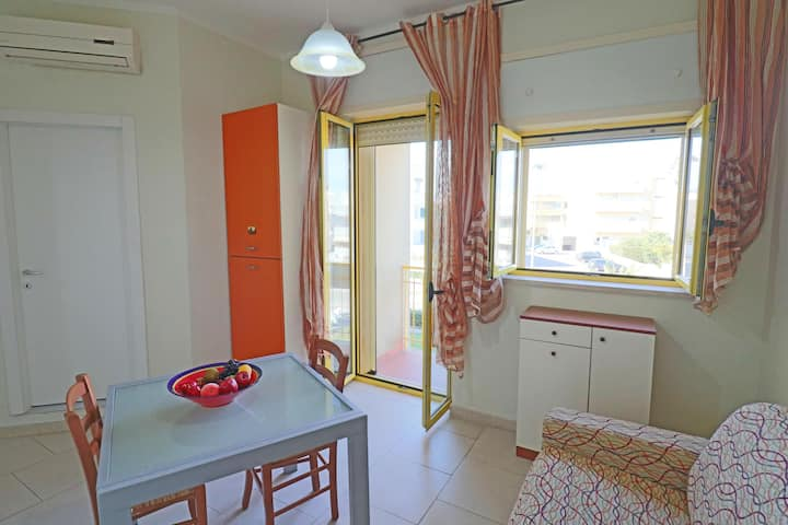 Holiday Apartment Casa Lucia a Otranto 4 post' close to the Beach with Wi-Fi, Air Conditioning & Balcony; Street Parking Available