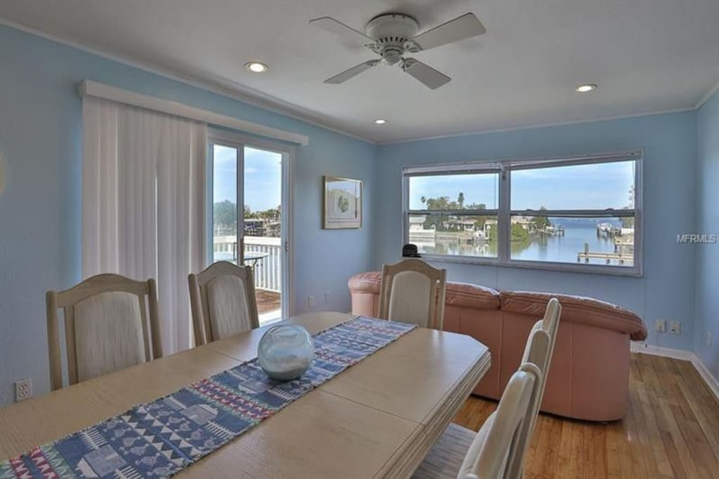 Ocean view in the dining room, add the table leaf for more guests.