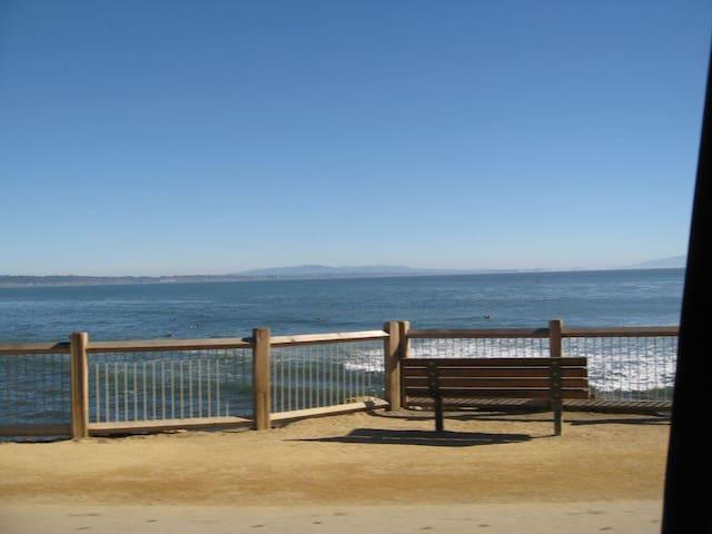 Pleasure Point Retreat Steps to the Beach, 3 Bedroom (+ Convertible Bed), 3 Full Baths(Sleeps 6-8)