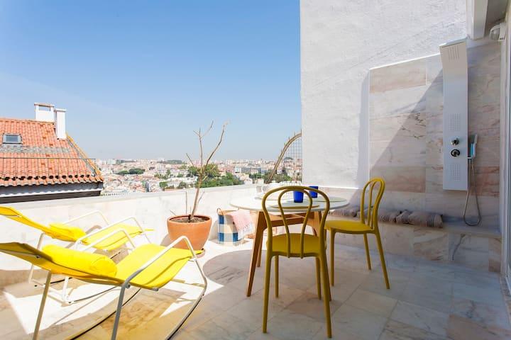 Blue House RoofTop @ Principe Real Garden