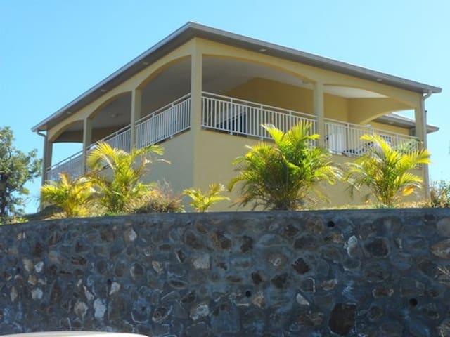 """villa """"la bourbonnaise"""""""