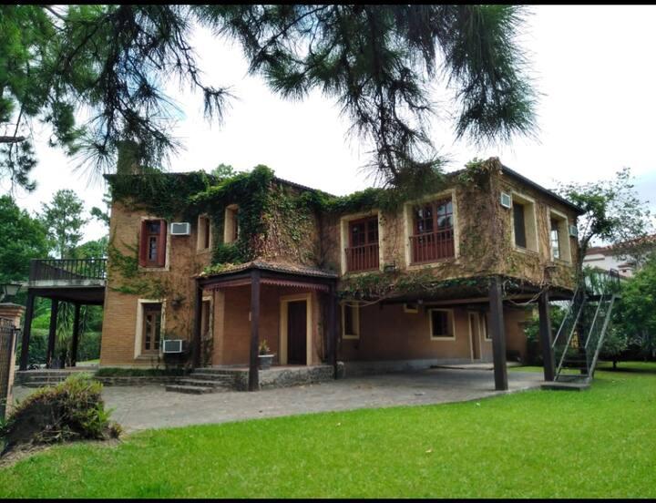 Magnífica casa de Country con pileta