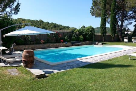 Beautiful Apartment in Tuscan Villa