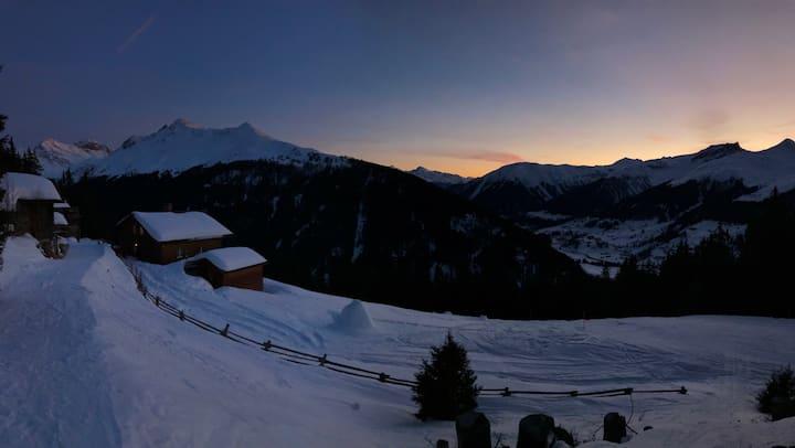 Chalet auf der Clavadeler Alp - Ski in/Ski out (1)