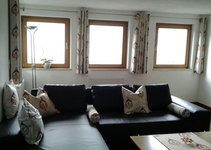 Modernes Haus mit tollem Ausblick - Grinzens - Casa