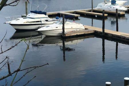Waterfront Zen - Private 2 BR Retreat