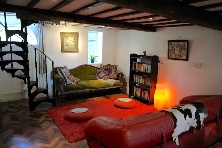 The Old Granary - Cosy Peaceful Romantic Retreat