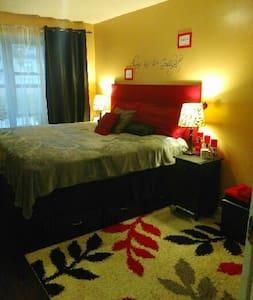 Clean & Spacious King Bedroom