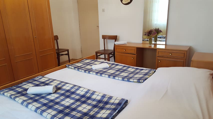 Mojito room 3 in city center of Novalja for 2 pax - Novalja - Pension