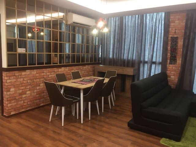 Moderm, Cozy 3BD With Amazing View - Kuching  - (ไม่ทราบ)