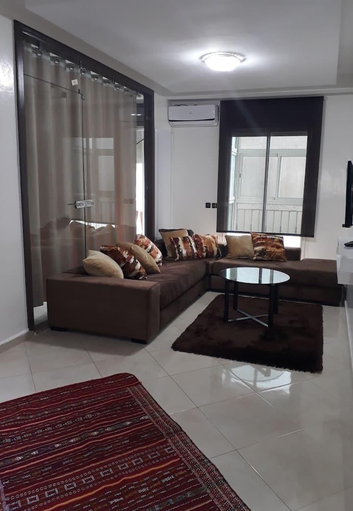 Studio neuf de luxe à louer (résidence sécurisée)