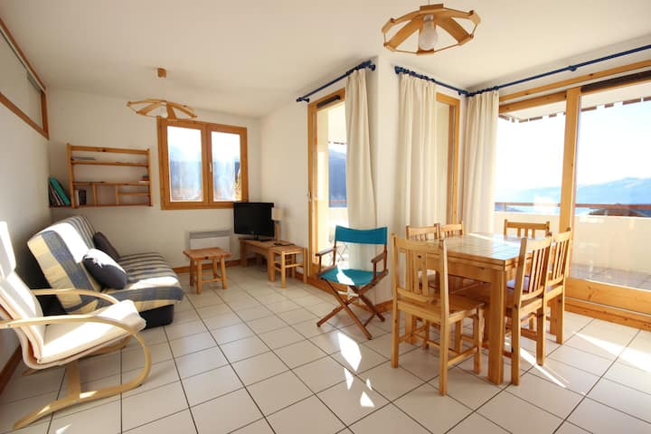 Nice 3 rooms apartment for 7 persons close to the pistes in a quiet neighbourhood