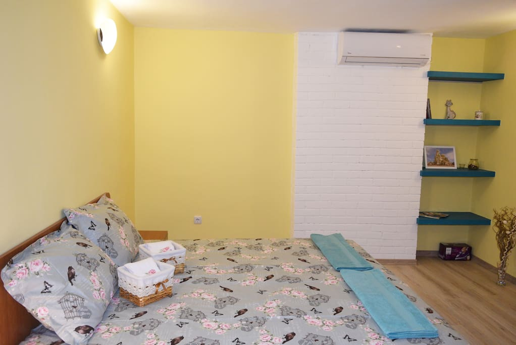 Bedroom with king size bed and air condition