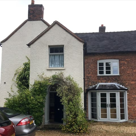Private Double Bedroom in Idyllic Rural Farm House