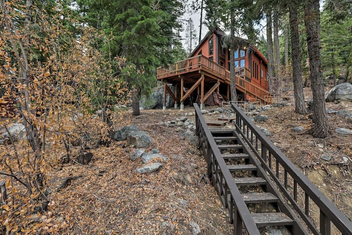 NEW! Lakeview Truckee Cabin: 7 Miles to Sugar Bowl