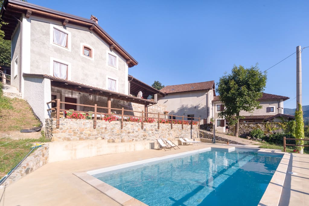 Agriturismo con piscina cascina ronco fanti farm stays in affitto a voltaggio piemonte italia - Agriturismo con piscina in piemonte ...