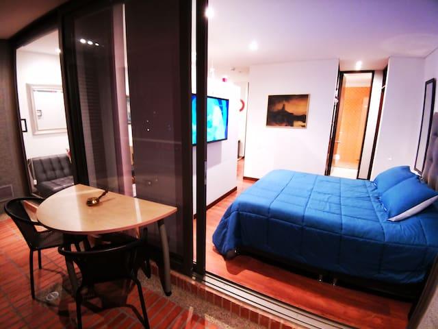 """Best View in Bogota! 50"""" TV, Queen Bed,Great Decor"""