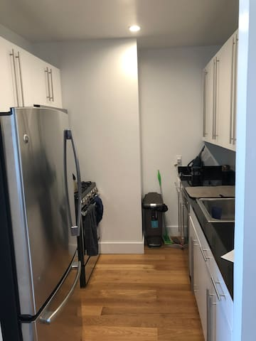 Spacious 1BR w/Stunning Views in Tribeca