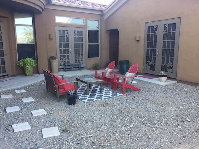 South Mountain Casita with Salt Water Pool - Phoenix - Guesthouse