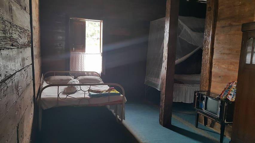 Saisuak Family  Room