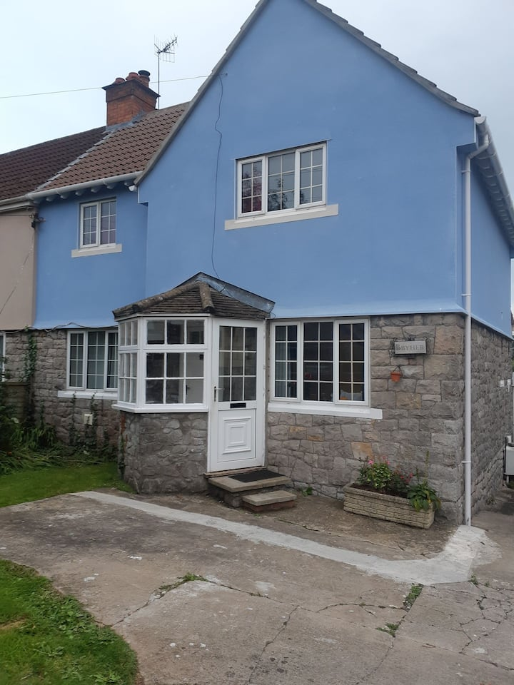 Beautiful 3 bed house, with a large garden