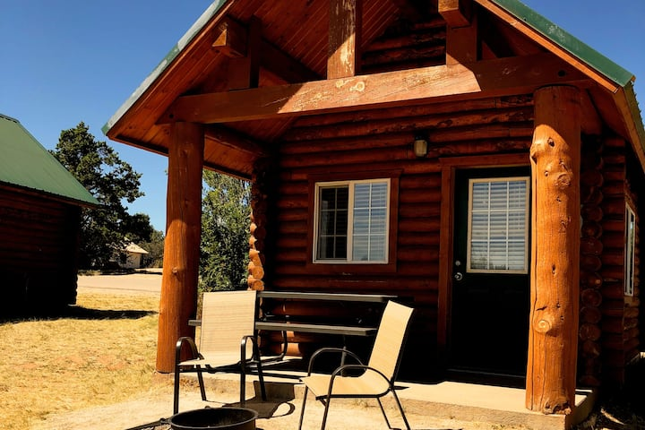 Cowboy Cabin! Free Resort Breakfast & Amenities C1