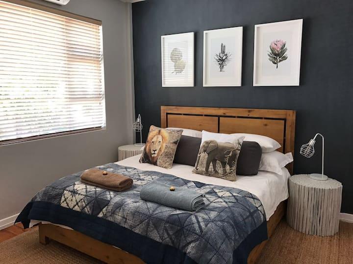 Designer Apartment in Seapoint, 209