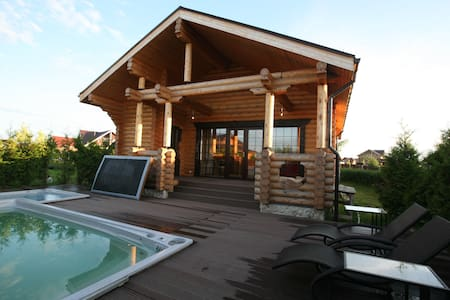 Уединенная баня с бассейном+джакузи