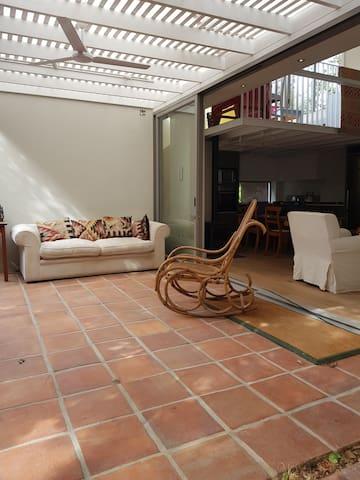 ROSEBANK Premium Cottage , in lush private garden