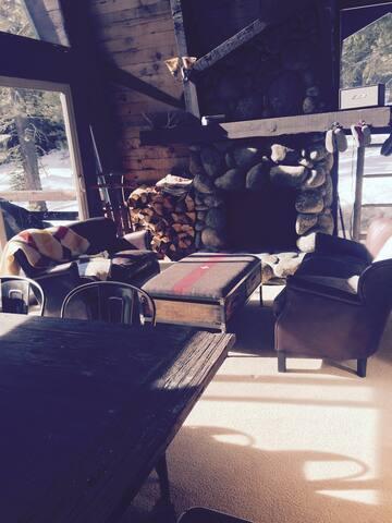 Cozy Alpine Cabin - Alpine Meadows - Hus