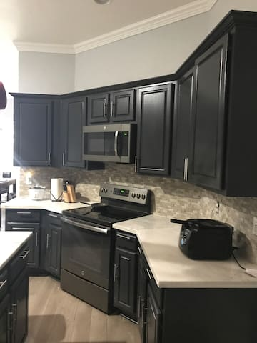 4 BR 2Bath upgraded home in the heart of Mansfield