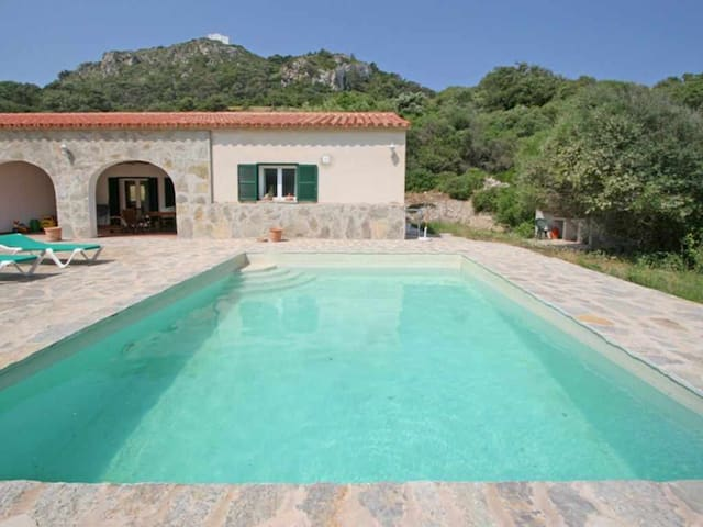 Country house with pool and panoramic views in El Toro for 6 + 2 people