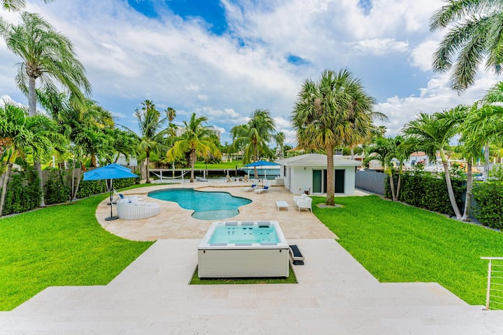 EXCLUSIVE PRIVATE RETREAT IN MIAMI !