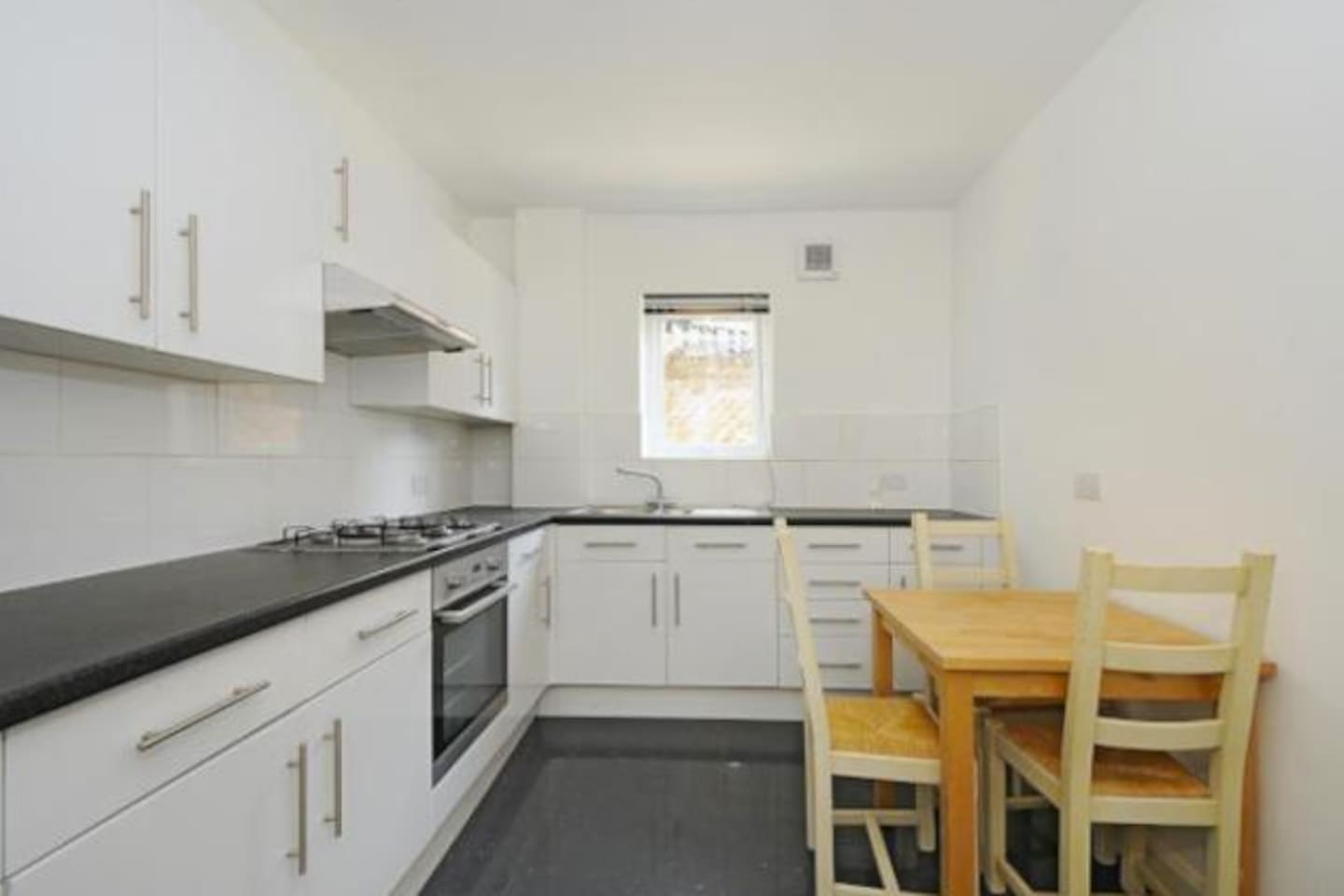 Huge bright double bedroom in the Heart of Peckham