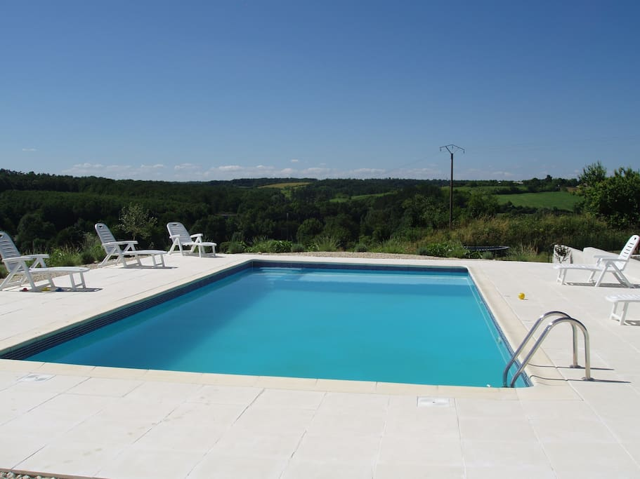 Large shared swimming pool