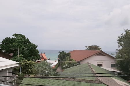 Double Room, Free breakfast , Free pool and close to haad rin beach