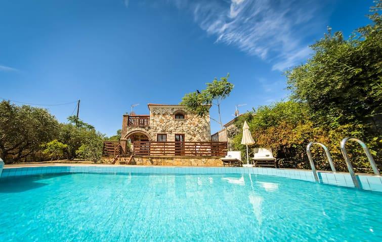 Two-Storey Villa with Private Pool - Akrotiri - Villa